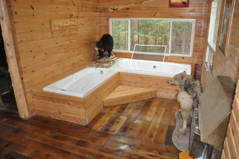 indoor bath tubs at Blue Lake Camp - trout fishing lodge on Lake Kirkpatrick